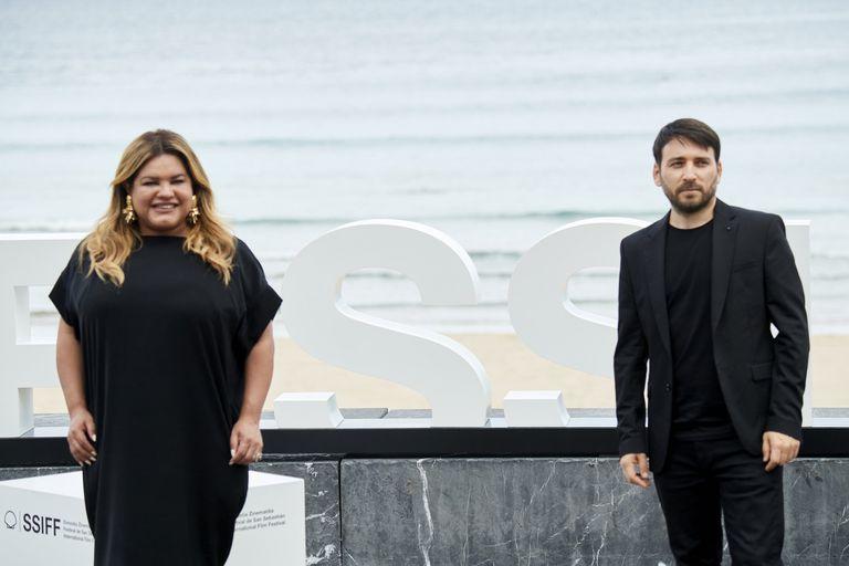 Romina Escobar y Eduardo Crespo, en la presentación de 'Nosotros nunca moriremos'.