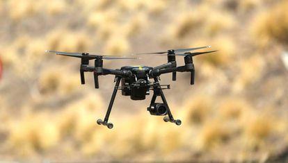 Un dron, en un vuelo de prueba.