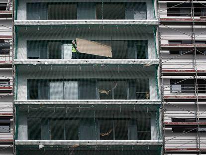 Viviendas en construcción en Barcelona.