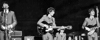 Los Beatles actuando en el Carnegie Hall de Nueva York el 12 de febrero de 1964.