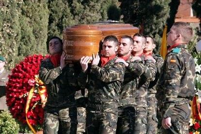 Funeral en el cuartel del Bruc de Barcelona por el soldado muerto en Afganistán.