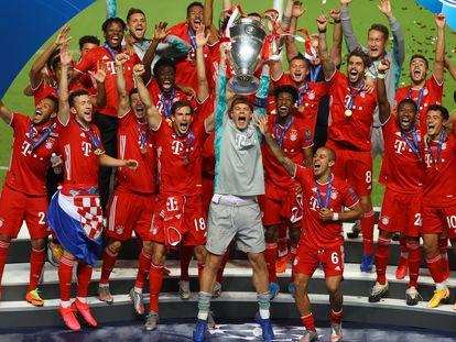 Neuer alza al cielo de Lisboa la Copa de Europa conquistada por el Bayern.