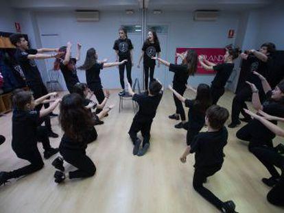 Más de una decena de escuelas de Madrid se han especializado en formar actores de teatro musical para nutrir una industria que no para de crecer