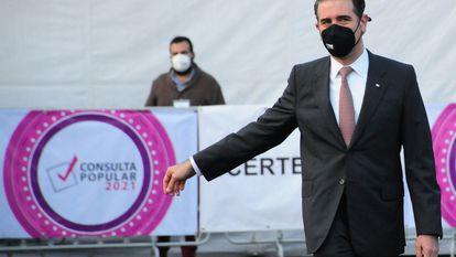 Lorenzo Córdova, consejero presidente del INE, en la consulta ciudadana de este domingo 1 de agosto en México.