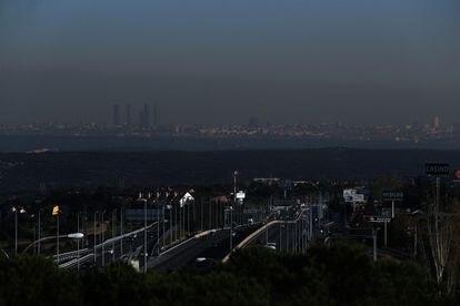 Contaminación y polución sobre Madrid.