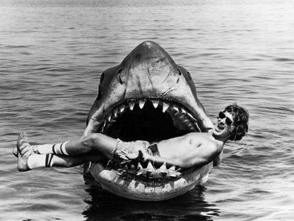 Steven Spielberg durante el rodaje de 'Tiburón'.