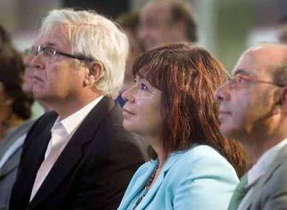 Los ministros de Industria, Joan Clos, y Medio Ambiente, Cristina Narbona.