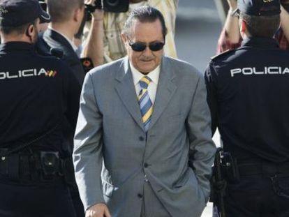 El exalcalde de Marbella, Julián Muñoz, entra en la Audiencia Provincial de Málaga en 2013, tras ser condenado a siete años por el caso Malaya.