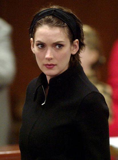 Winona Ryder, en el juicio por robo, en 2002.