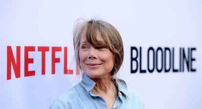 Sissy Spacek promociona la serie Bloodline de Netflix, en California.