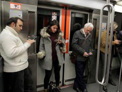 El organismo público seguirá los desplazamientos de los usuarios de Movistar, Vodafone y Orange durante los próximos cuatro días