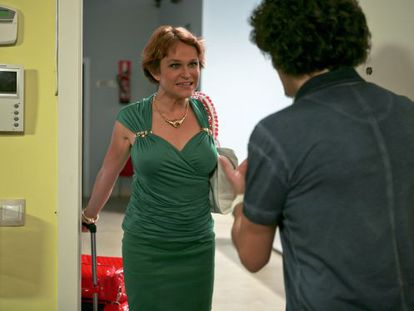 Estela Reynolds, interpretada por Antonia San Juan, a su vuelta en Montepinar.