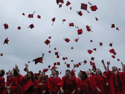Ceremonia de graduación en la Universidad Wesleyana, en Middletown, en el Estado de Connecticut (EE UU).