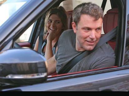 El actor Ben Affleck y la modelo Shauna Sexton en Los Angeles.