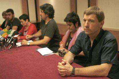 Rufi Extebarria, en primer término, junto a Begoña Vesga, Pello Urizar y Jone Goirizelaia.