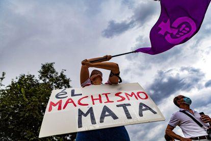 Concentración feminista para condenar los últimos casos de violencia machista, este viernes en Toledo.