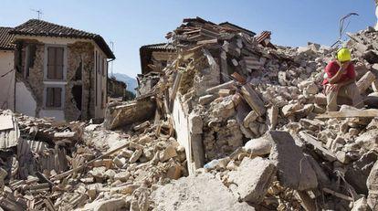 Edificios derribados en Amatrice tras el terremoto del miércoles.
