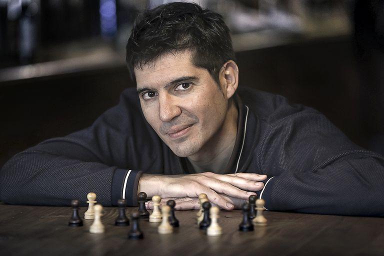 Paco Cerdà, autor de 'El peón', libro sobre el niño prodigio español del ajedrez Arturito Pomar.
