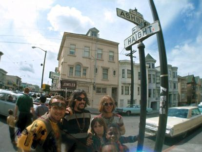 'Hippies' en el barrio de Haight-Ashbury en San Francisco, en 1966.