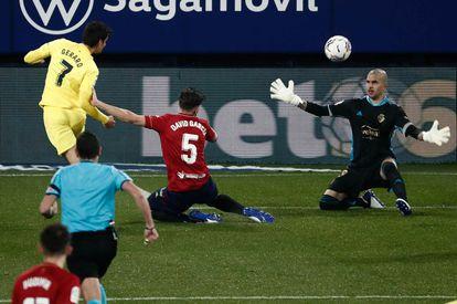 Gerard Moreno marca gol contra el Osasuna.
