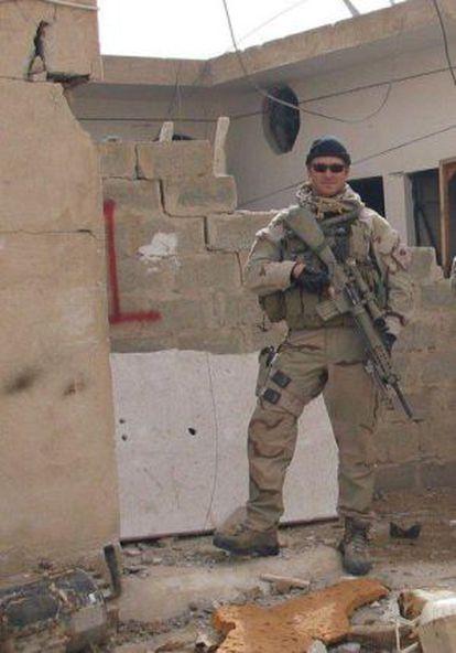Foto de Chris Kyle en Irak publicada en su página de Facebook.