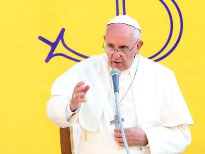El papa Francisco oficia misa este sábado en Isernia.