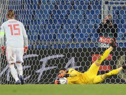 Sommer detiene el segundo penalti lanzado por Ramos