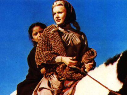 Carol Baker, en una escena de la película 'El gran combate', dirigida por John Ford.