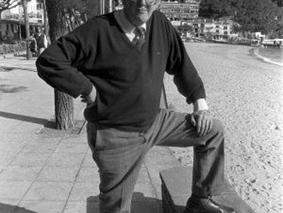 El escritor Tom Sharpe en Llafranc (Costa Brava).