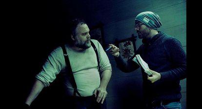 F. Javier Gutiérrez, con el actor Vincent D'Onofrio en el rodaje de 'Rings'.