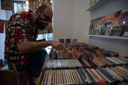 Ignatius, en la tienda Jazzymas de la que es un cliente habitual.