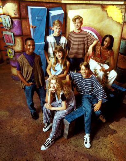From left to right: Tate Lynche, Ryan Gosling, Justin Timberlake, Nita Booth, TJ Fantini, Christina Aguilera and Britney Spears, in the early nineties on 'The Mickey Mouse Club'.