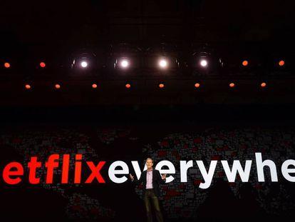El presidente de Netflix, Reed Hastings, en la feria electrónica CES en 2016.