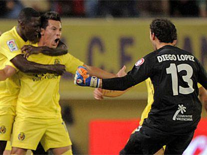 Hernán Pérez celebra el gol del triunfo del Villarreal.