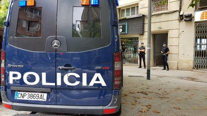 Imagen de archivo de agentes de la Policía Nacional en Barcelona.