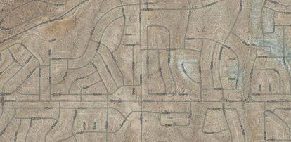 Todas las calles, en las 52.000 hectáreas que ocupa en la actualidad California City, tienen nombre. Arriba a la izquierda, Serrano Street.  