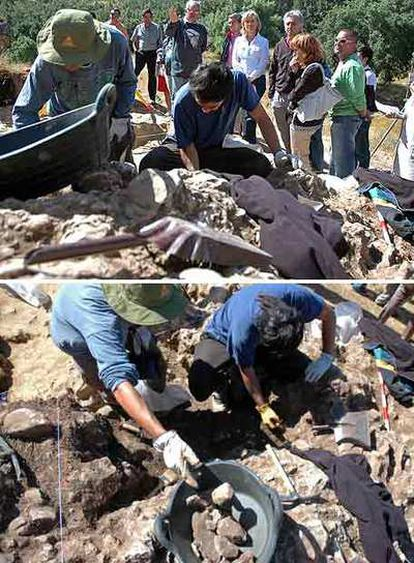 Excavaciones en Pinilla del Valle en la que en 1979 se encontraron dos restos del hombre de  neandertal. Arriba, presentación de la campaña de este verano. Abajo, recogida de material para su estudio.