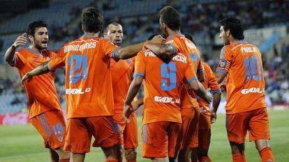 André Gomes celebra con sus compañeros su gol ante el Getafe.