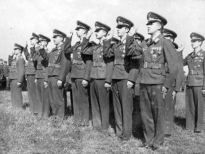 Javier Busquets Xindreu, el primer per la dreta, a la primera fila.
