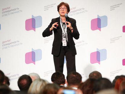 La directora del programa regional del Instituto Independiente de Política Social, Natalia Zubarévich, en una charla en el Foro del Comercio Mundial de Moscú, en 2016.