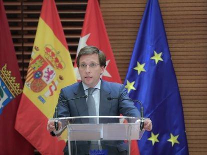 El alcalde de Madrid, José Luis Martínez-Almeida, durante una rueda de prensa en la que se presentan las medidas contra el coronavirus en la capital