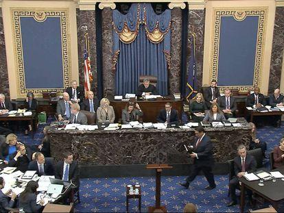 El Senado, adaptado para acomodar a las partes del juicio del 'impeachment'. En vídeo, resumen de la primera sesión de debates del 'impeachment'.