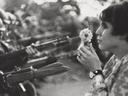 'La chica con la flor' (1967), de Marc Ribaud, formará parte de la muestra 'Cámara y ciudad'.