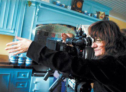 Isabel Coixet, durante el rodaje de<i> La vida secreta de las palabras.</i>