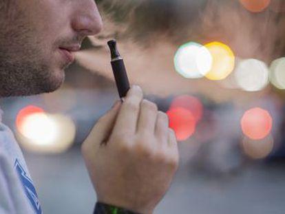 La mitad de los estudiantes de 14 a 18 años los ha utilizado y solo un tercio considera que suponen un riesgo para la salud