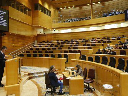 El hemiciclo del Senado, casi vacío, durante una intervención de Ignacio Cosidó (PP).