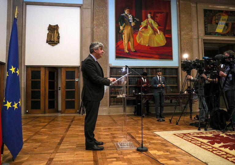 El presidente del Eurogrupo, Mário Centeno, atiende a la prensa en Lisboa después de la reunión con el resto de ministros de Finanzas de la UE el pasado sábado.