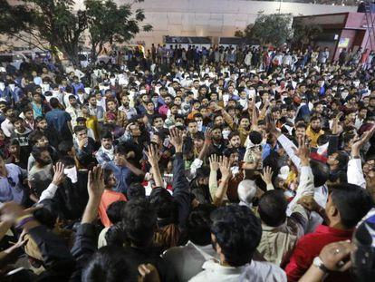 Protestas en Ahmadabad (India) ante el inminente estreno este jueves de la polémica película 'Padmaavat'