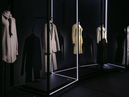 Cinco prendas de la exposición sobre David Delfín.