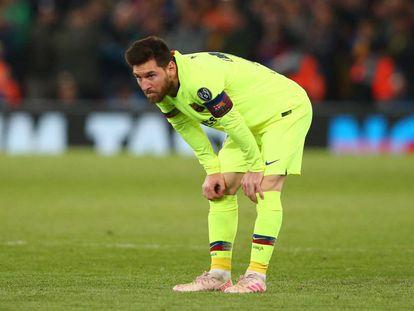Messi, durante el partido del Barça en Liverpool.